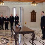أمام السيد الرئيس بشار الأسد الدكتور عدنان حسن محمود يؤدي اليمين الدستورية وزيرا للإعلام - 16.04.2011