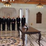 أمام السيد الرئيس بشار الأسد الدكتور عبد الرزاق شيخ عيسى يؤدي اليمين الدستورية وزيرا للتعليم العالي - 16.04.2011