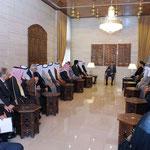 الرئيس الأسد يلتقي فعاليات اجتماعية من الحسكة ويطلع على الأحوال المعيشية لأهالي المحافظة ومتطلباتها - 05.04.2011