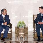 السيد الرئيس بشار الأسد والسيدة الأولى أسماء الأسد يستقبلان السيد مهاتير رئيس الوزراء الماليزي وعقيلته - 17.08.2003 / 18.08.2003