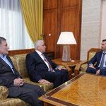 الرئيس الأسد يبحث مع مبعوثي رئيس وزراء العراق التطورات في المنطقة وسورية - 17.12.2011