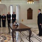 أمام السيد الرئيس بشار الأسد الدكتور وائل نادر الحلقي يؤدي اليمين الدستورية وزيرا للصحة - 16.04.2011