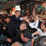 جموع المواطنين يحيون الرئيس الأسد و يهنئونه بعيد المولد النبوي - 15.02.2011