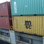 Containers en el buque.