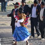 Bailes al inicio de la corrida de toros