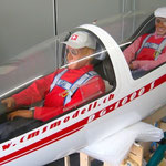 Die beiden Axel-Piloten (Kabine geschlossen)