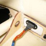 RC-/Fahwerksteckerverbindung und Tragflächenarretierung (Innen)