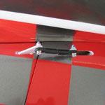 Detail Höhenruderservo-/Anlenkung (MKS Ds6125H)