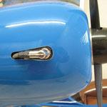 Motorhaubenausschnitt für Zündkerze-/Stecker