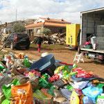 Déchargement des dons au refuge de cuenca