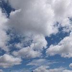 わた雲満載の空は、とっても美味しそうで好き(o^_^o)