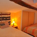 """chambre 1  """"la Duzonne """" , lit 2 places et lit 1 place  1°étage"""