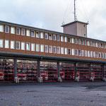 Fahrzeughalle der Hauptwache mit den neuen HLF´s