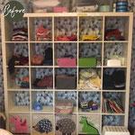 vorher: Kinderzimmer, Regal aus Platzmangel mit Kleidung und Spielsachen vermischt