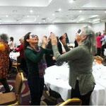 Conférence de Meir Schneider, ou l'art de faire bouger tous les participants en jouant avec sa vue !