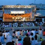 にいがた水都フェスタ(02年)2002Wcupを盛り上げるイベント。新潟博報堂さんとイベント制作各社が集結して広範囲、長期間の企画・制作・運営を担当しました。