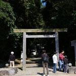 松阪市にある神服織機殿神社入り口の鳥居