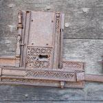 Nedde - Eglise - Verrou du XVe siècle sur la porte d'entrée, exceptionnel pour son décor, classé au titre d'objet parmi les Monuments historiques