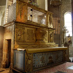 L'autel en bois doré et sa cage renfermant les reliques de saint Léonard - Collégiale de Saint-Léonard-de-Noblat