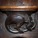Exemple de sculpture en bois des stalles (miséricorde, sous le siège) - Collégiale de Saint-Léonard-de-Noblat
