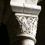 Exemple de chapiteau sculpté de motifs typiquement romans - Collégiale de Saint-Léonard-de-Noblat