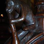 Exemple de sculpture en bois des stalles (appui-main) - Collégiale d'Eymoutiers
