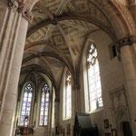 Les peintures des voûtes du choeur gothique et un aperçu des vitraux - Collégiale d'Eymoutiers