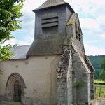 Saint-Julien-le-Petit - Eglise - Disposition rare, deux clochers cohabitent (clocher-mur et clocher-tour recouvert de bardeaux de châtaignier)