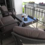 Chill-Lounge auf dem Balkon