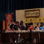 このシーンには15名の生徒さんが出演してくれました。