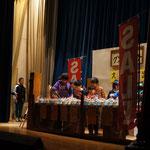 舞台に登場した生徒さんと待機している生徒さん。