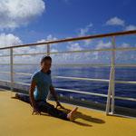 Yoga auf der AIDA... (Spagat)