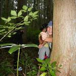 裏山のスギ林で脱け殻を見つけては、得意げに見せてくれました。