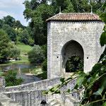 Sauveterre de Béarn - le pont de la légense et le gave