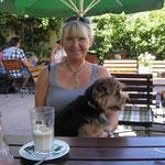 Birte Wollesen mit Ihren Norfolk Terrier