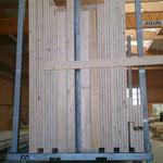 Herausgekommen sind Elemente bzw.  Bausysteme aus Holz,