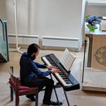 live Performance David Holleber am Klavier