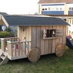Houten pipowagen / speelhuis op maat