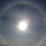 日暈 太陽にかかる円形の虹