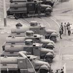 14. August 1961. Wasserwerfer vor dem Brandenburger Tor.