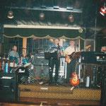 """Der Oldie-Abend im """"Pferdestall"""" Lauenförde im Januar 1995 ist noch heute bei den Musikfreunden im Dreiländereck in bester Erinnerung. Die Stimmung war einfach super."""