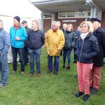 Regattateilnehmer und Gäste hörten den Ansprachen aufmerksam zu (Foto: Ronald Griebenow, SVC)