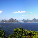 Rio - Eingang der Guanabara-Bucht mit dem Zuckerhut vom Fort Leme aus, 05.02.2012