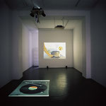 Dunja Evers - I Had A Dream / 2004 / # 1/ 8:24 min / # 2 / 109:36 min / video-loops, sound / Gallery KuttnerSiebert, Berlin