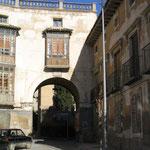 Puerta de Zaragoza (Arco de la Carrera)