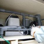 濾過槽上部の各種ポンプ