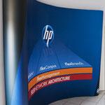 Messe-Display mit Theke  |  Präsentaionssystem für HP