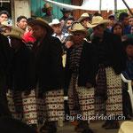 Tanz der Grossväter in San Pedro