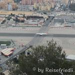 Zufahrt zu Gibraltar über Flugfeld