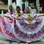 Tänzerinnen in der Altstadt von Panama City
